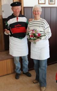 Helga und Gerhard Stoltz - die Macher des traditionellen Eisbeinessens im SCW.